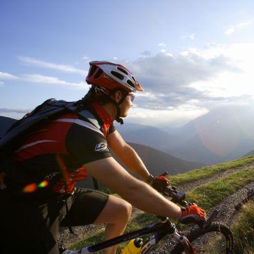 Tour in bicicletta dal Passo Resia a Verona