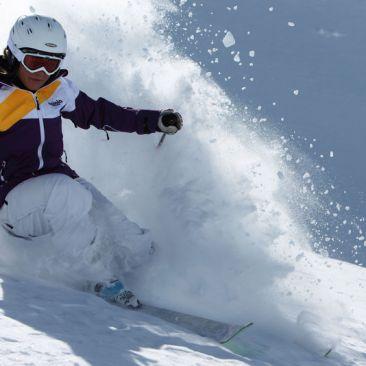 Meraner Winterzauber für 2: Ski & Therme